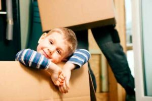 Как выписать ребенка из квартиры и прописать в другую