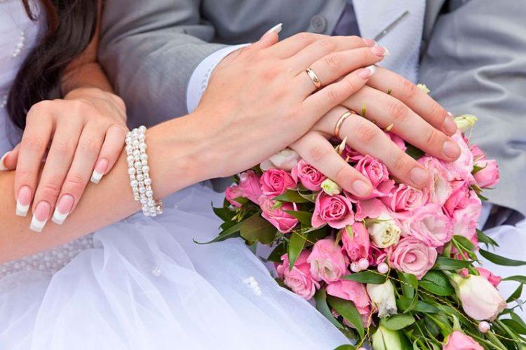 Брак между усыновителями и усыновленными