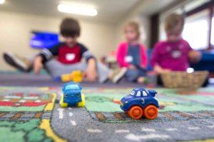 В детском саду нет мест: что делать