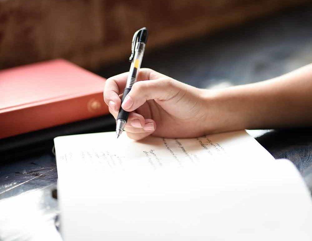 Выписать человека из квартиры без его согласия