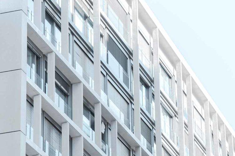 Где переоформить квартиру